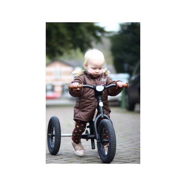 97a4f3f1e2b Trybike Trehjulet løbecykel | Black - Cykler - LittleKidsville.dk